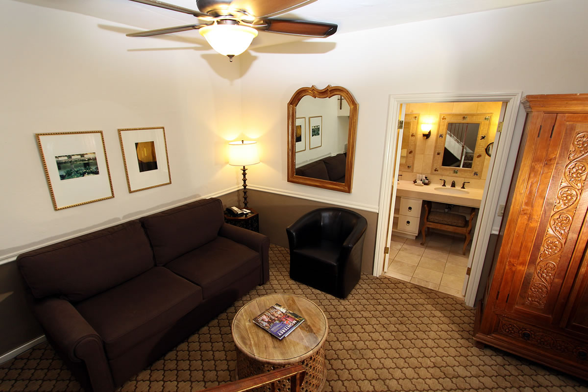 cypress inn chatrooms Near the intersection of route 60 and i-75, this hotel in tampa, florida offers a  great location as well as convenient amenities and comfortable.