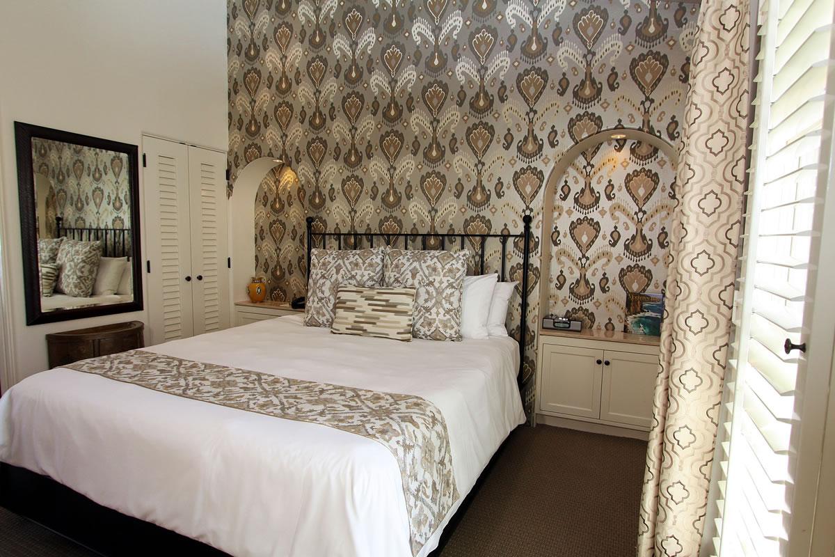 221-king-suite-with-veranda