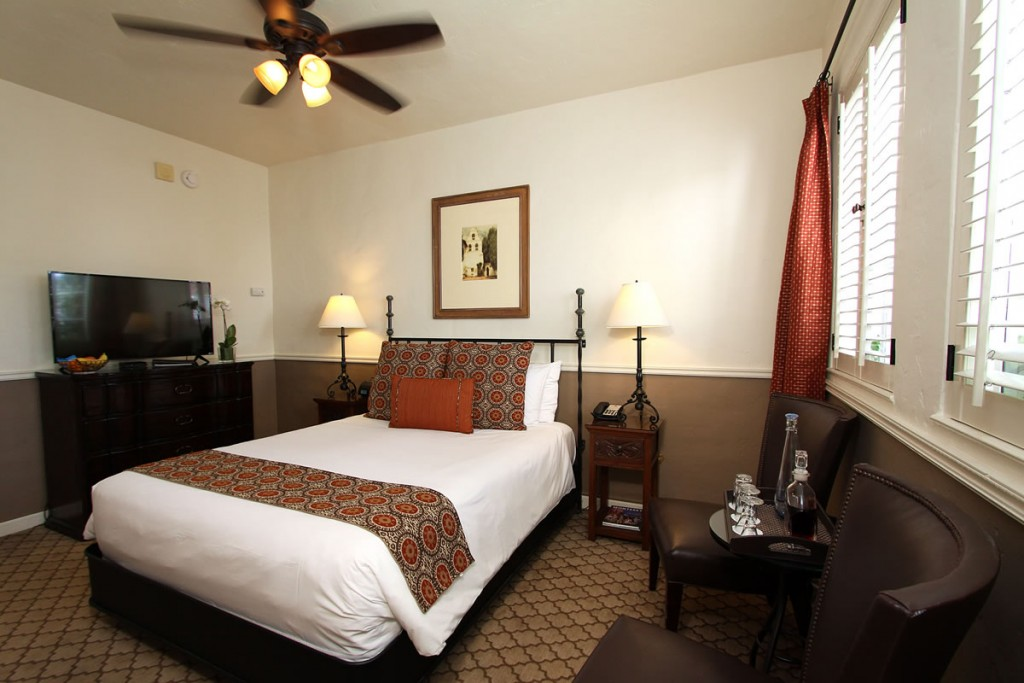 carmel bed & breakfast hotel guest room