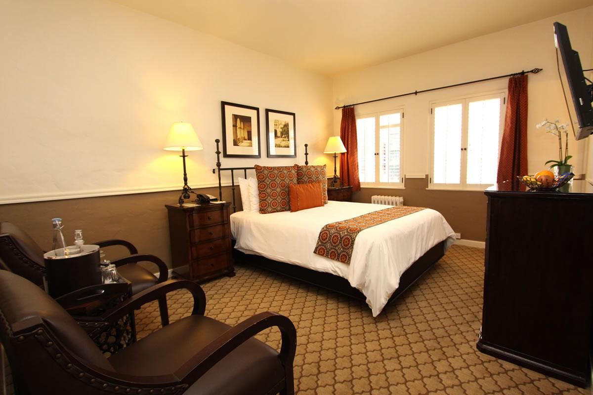Carmel Hotel Rooms  U0026 Rates