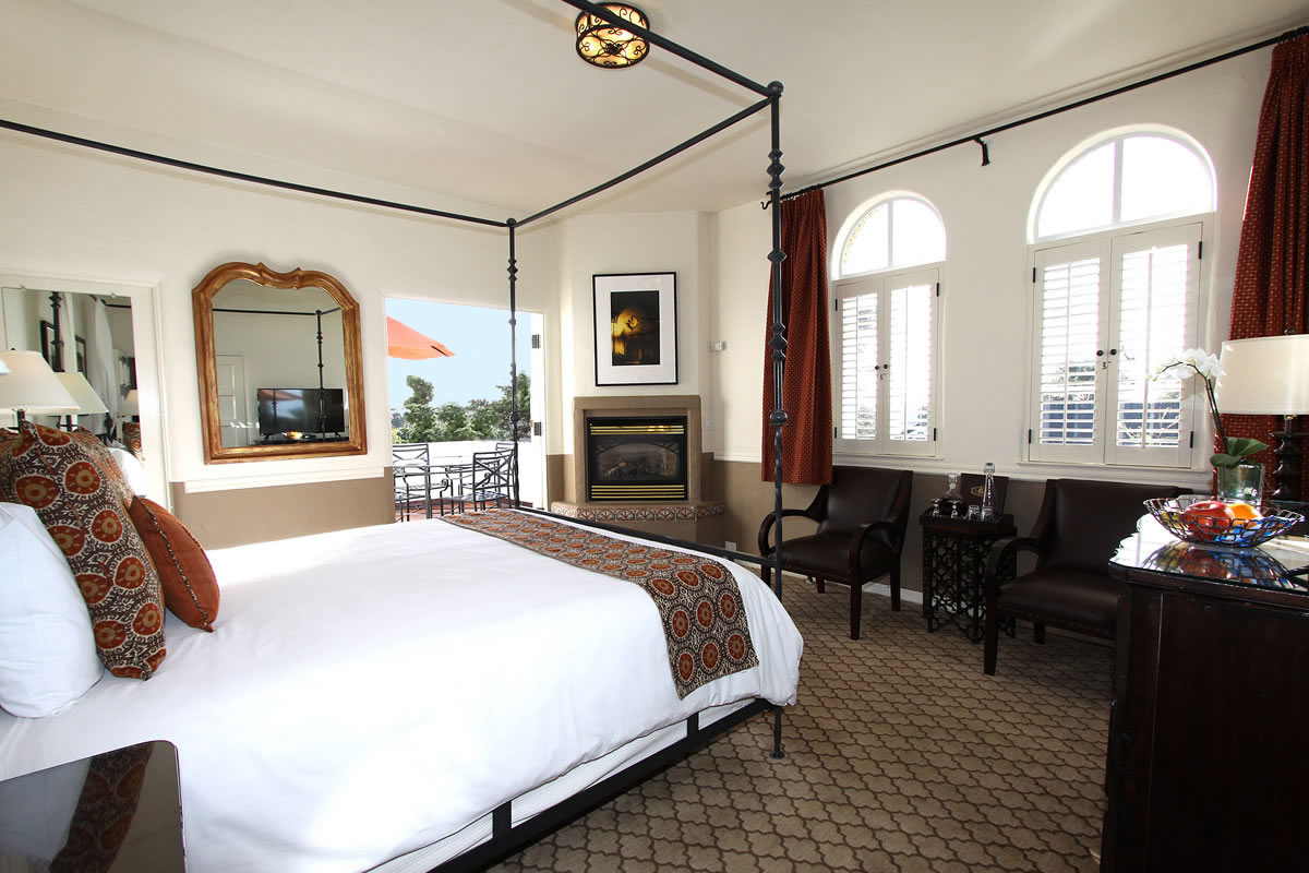 Carmel Hotel Ocean View Rooms Rates Cypress Inn Carmel By The