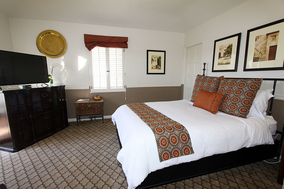 Doris Day Bed And Breakfast